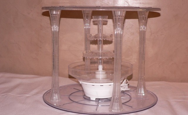 2 Tier Clear Acrylic Cake Stand with Pillars