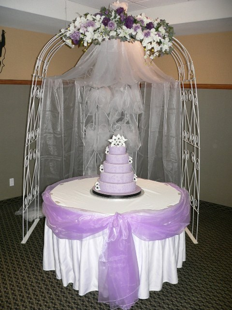 3 Sided White Arch with Lilac Decor