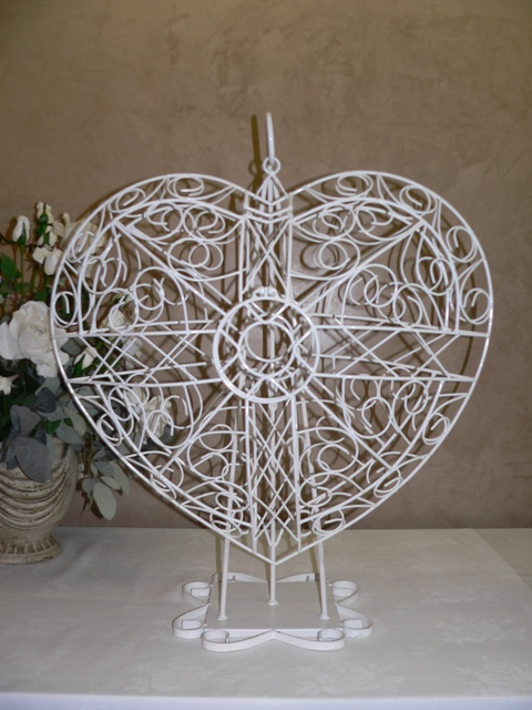 3D Heart Card Holder with Stand