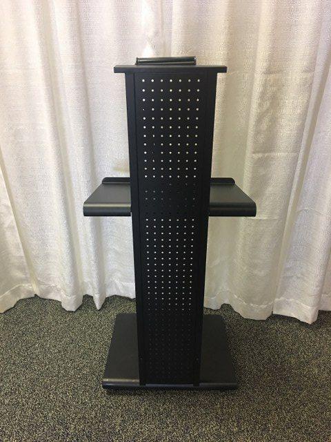 Black Metal Podium w Adjustable Platform_640x480