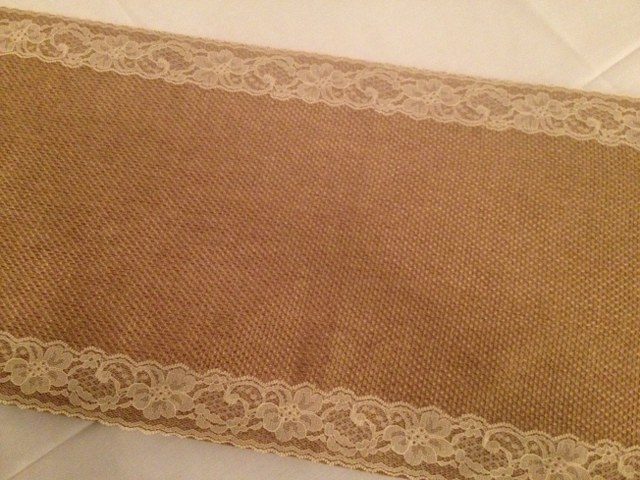 Burlap with Ivory Lace Trim Runner._640x480