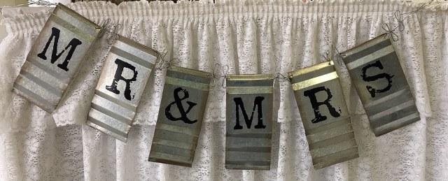 Galvanized Mr & Mrs Sign_640x259