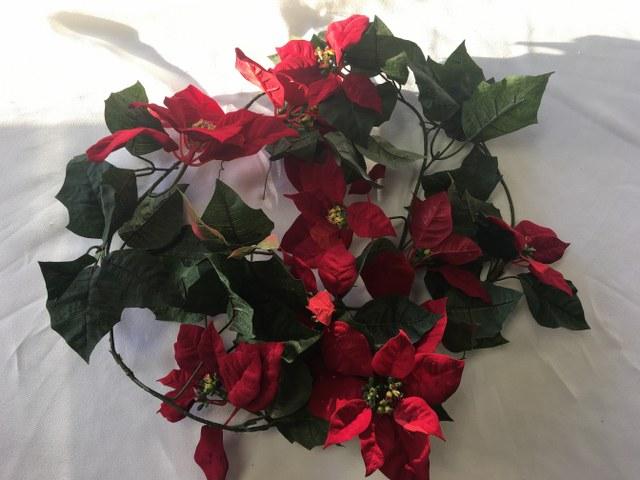 5Ft Red Velvet Poinsettia Garland_640x480