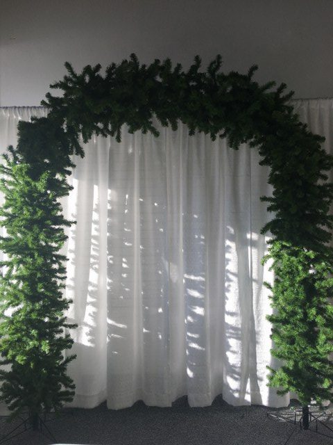 8Ft Artificial Noble Pine Arch_640x480