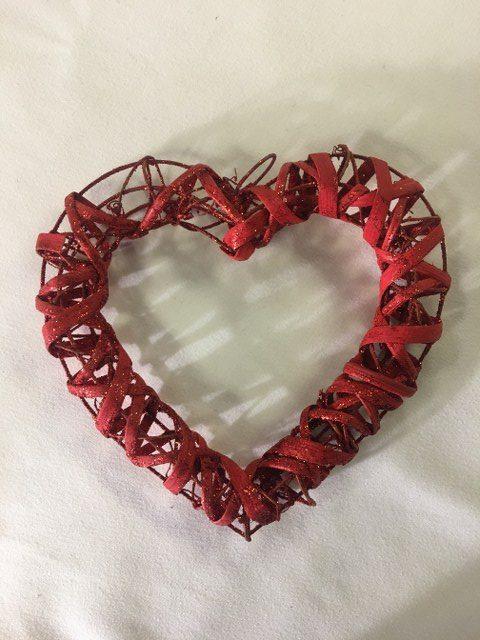 Hollow Heart, Red Glitter 7inch_640x480
